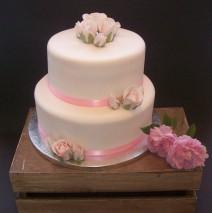 Classic Roses Wedding Cake $500
