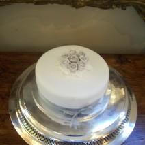 Single Tier Wedding Cake $250