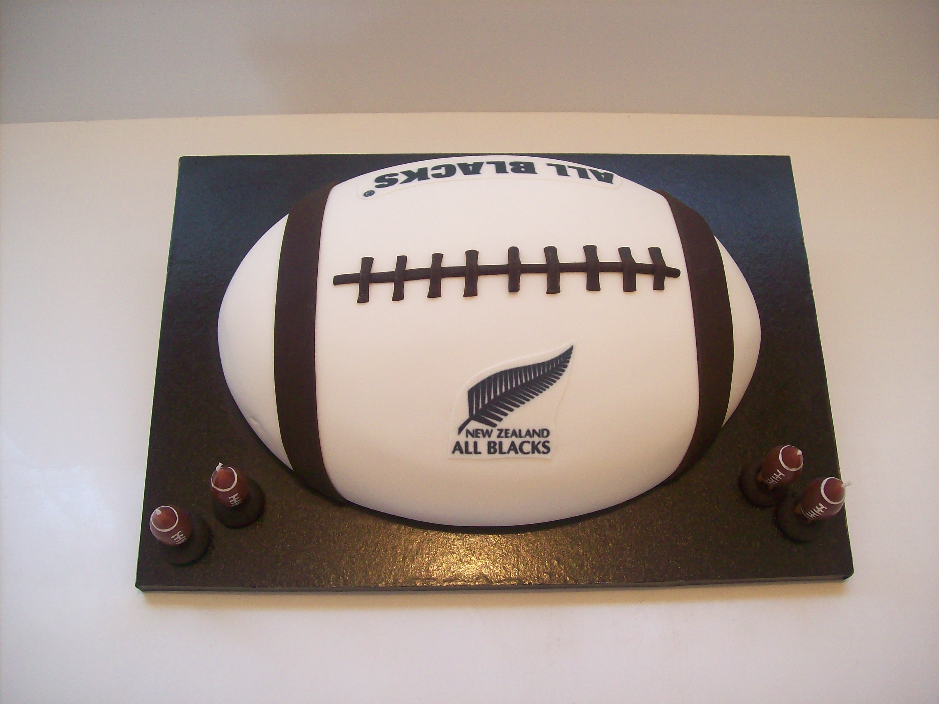 All Blacks Cake 149 Temptation Cakes Temptation Cakes