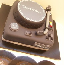 Turntables Cake $329
