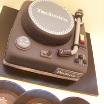 Turntables Cake $329