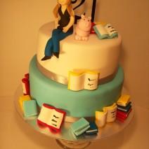 21st Cake $395 (70 pax)
