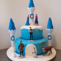 Frozen Castle Cake $350 (45 pax)