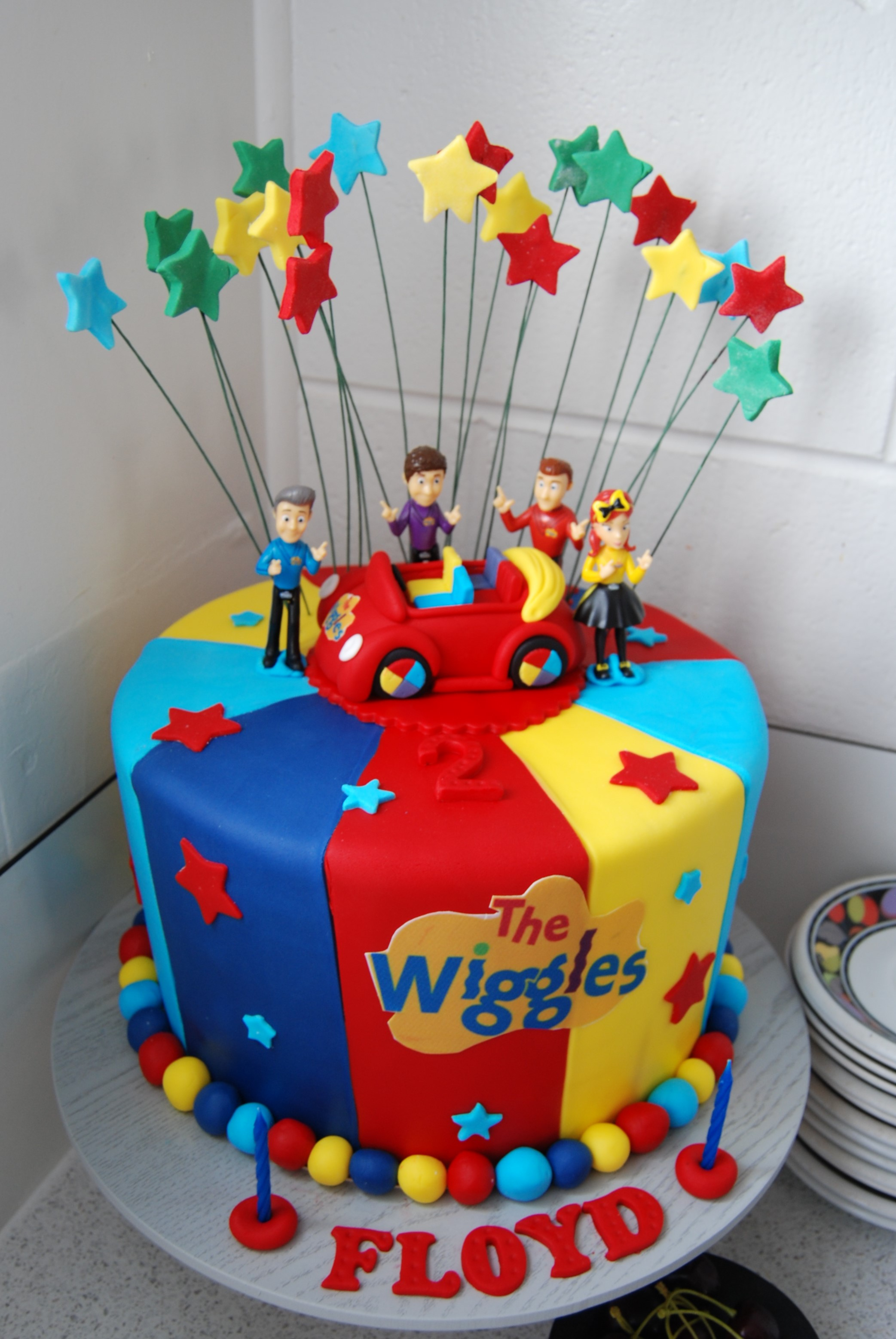 Fabulous Wiggles Cake 350 Temptation Cakes Temptation Cakes Birthday Cards Printable Opercafe Filternl